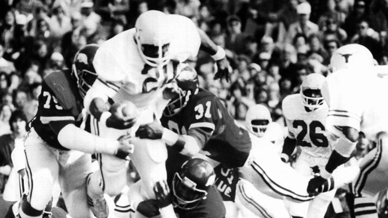 Texas Longhorns vs. Arkansas Razorbacks - 10/15/1977 (re-air)