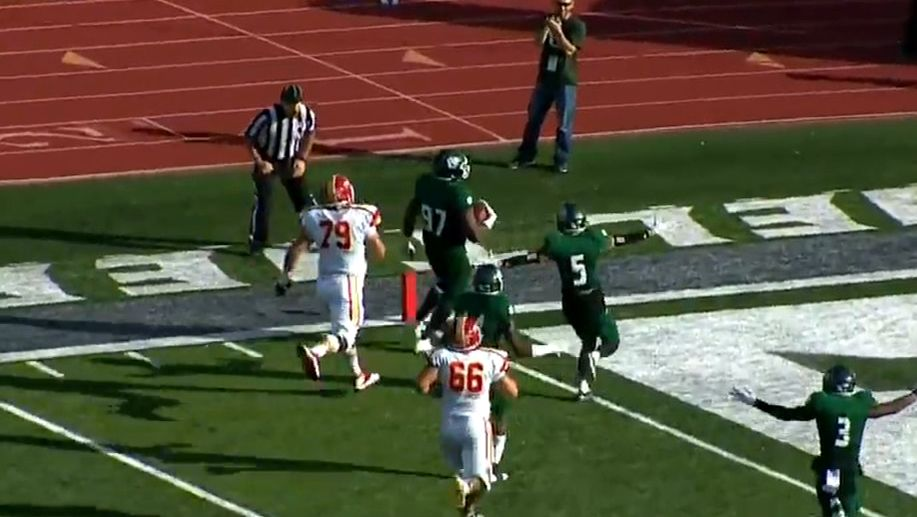 Pick leads to crazy three-lateral TD from defensive lineman