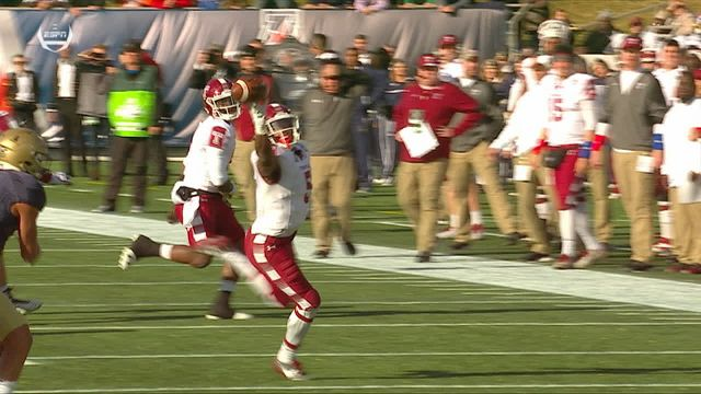 Temple's Jahad Thomas shows excellent concentration on catch