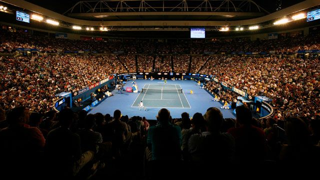 Bernard Tomic (AUS) vs. (2) Roger Federer (SUI)
