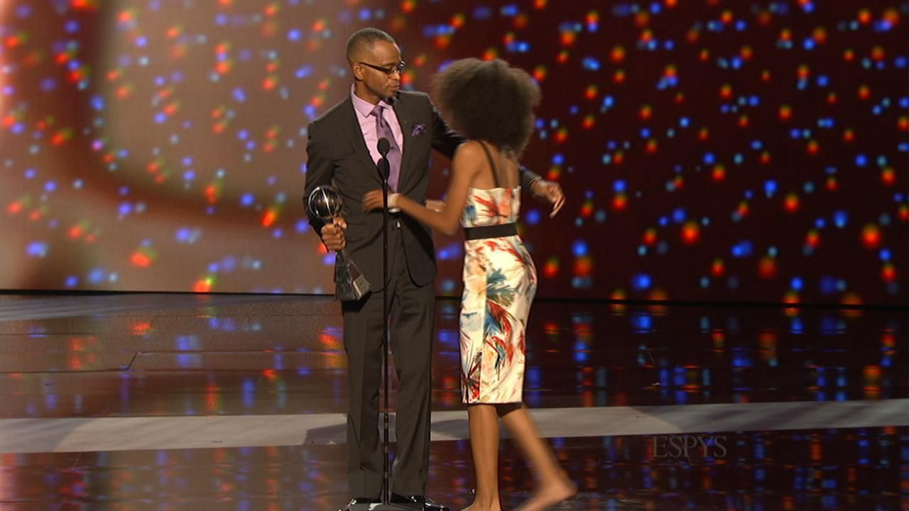 Stuart Scott Wins Jimmy V Award