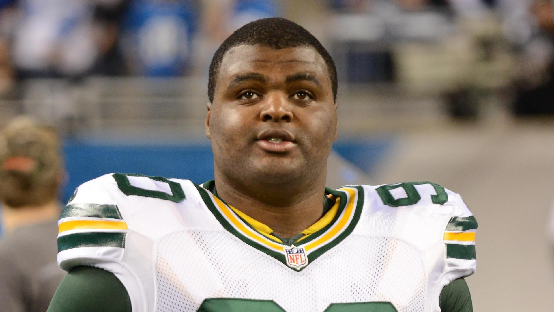https://secure.espncdn.com/combiner/i?img=/media/motion/2014/0823/dm_140823_nfl_raji_out1222/dm_140823_nfl_raji_out1222.jpg