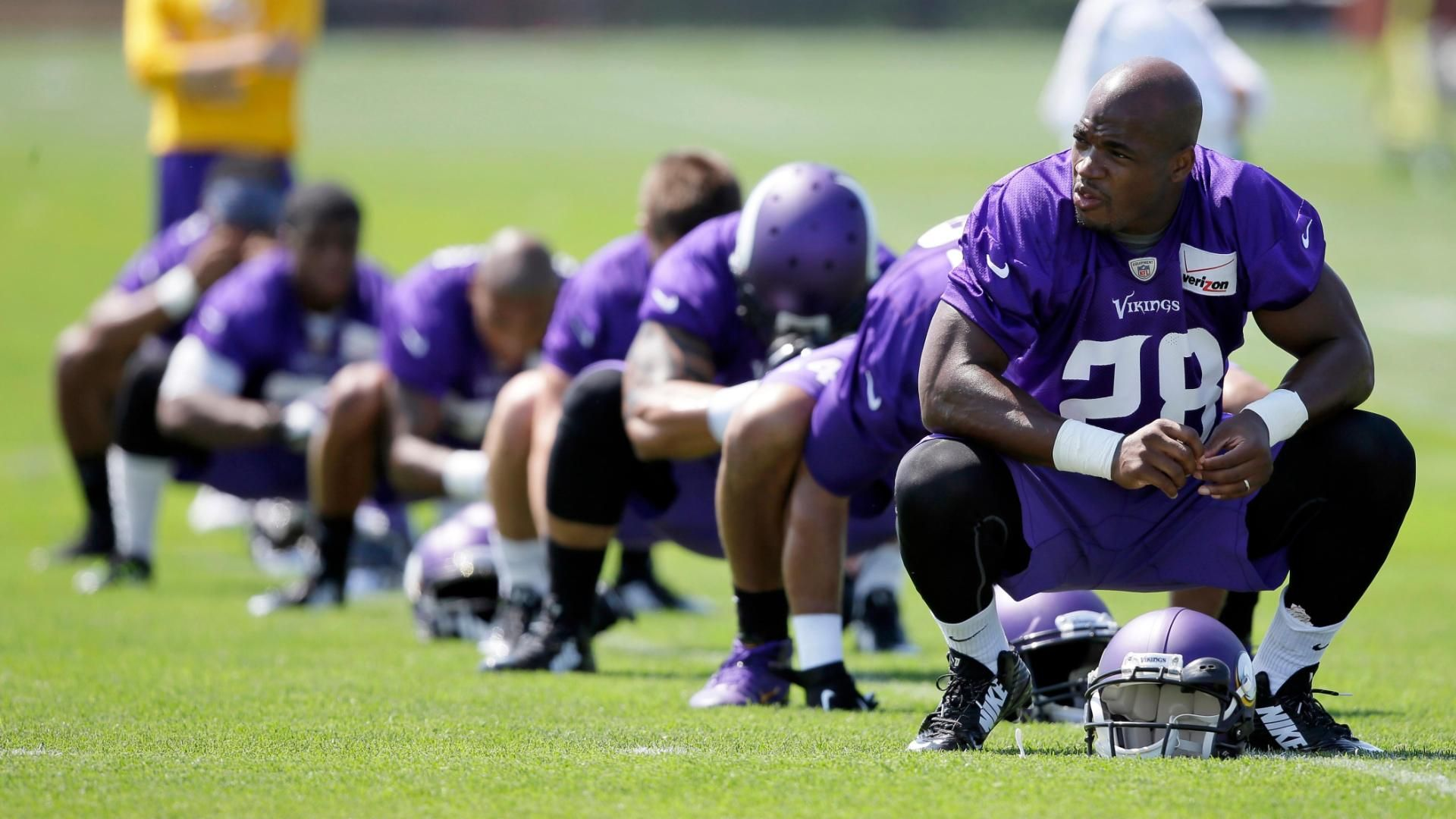 Adrian Peterson not expected at Vikings' workouts