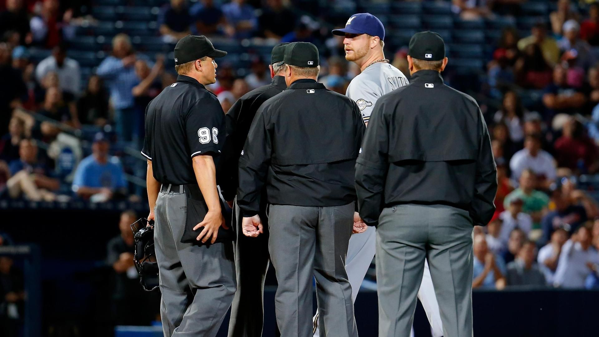 Smith ejected for use of substance in Brewers' loss