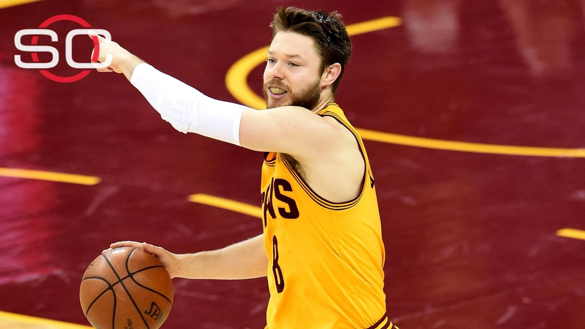 https://secure.espncdn.com/combiner/i?img=/media/motion/2015/0611/dm_150611_nba_dellavedova__int1094/dm_150611_nba_dellavedova__int1094.jpg