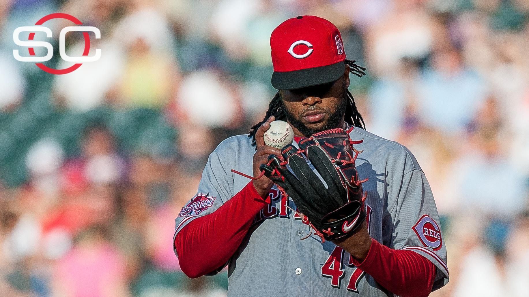 Cueto shakes off trade rumors to toss gem