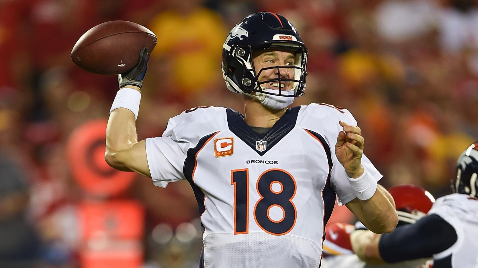 Peyton Manning, Eric Berry awarded game balls