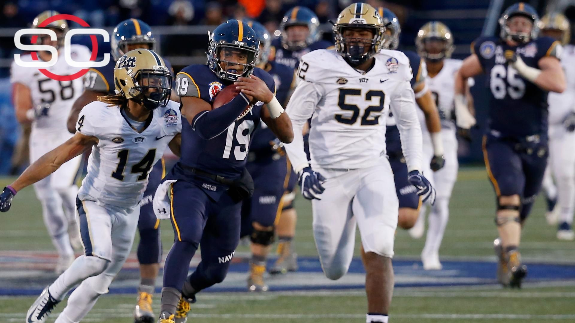 Reynolds leads Navy to Military Bowl victory