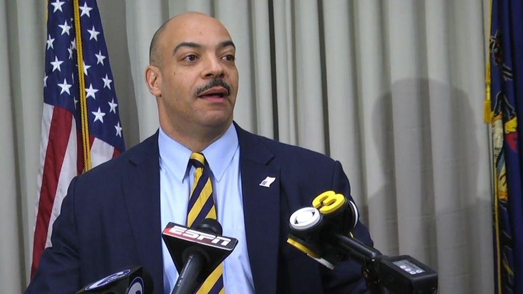 https://secure.espncdn.com/combiner/i?img=/media/motion/2016/0219/dm_160219_Philly_DA_defends_McCoy_case/dm_160219_Philly_DA_defends_McCoy_case.jpg