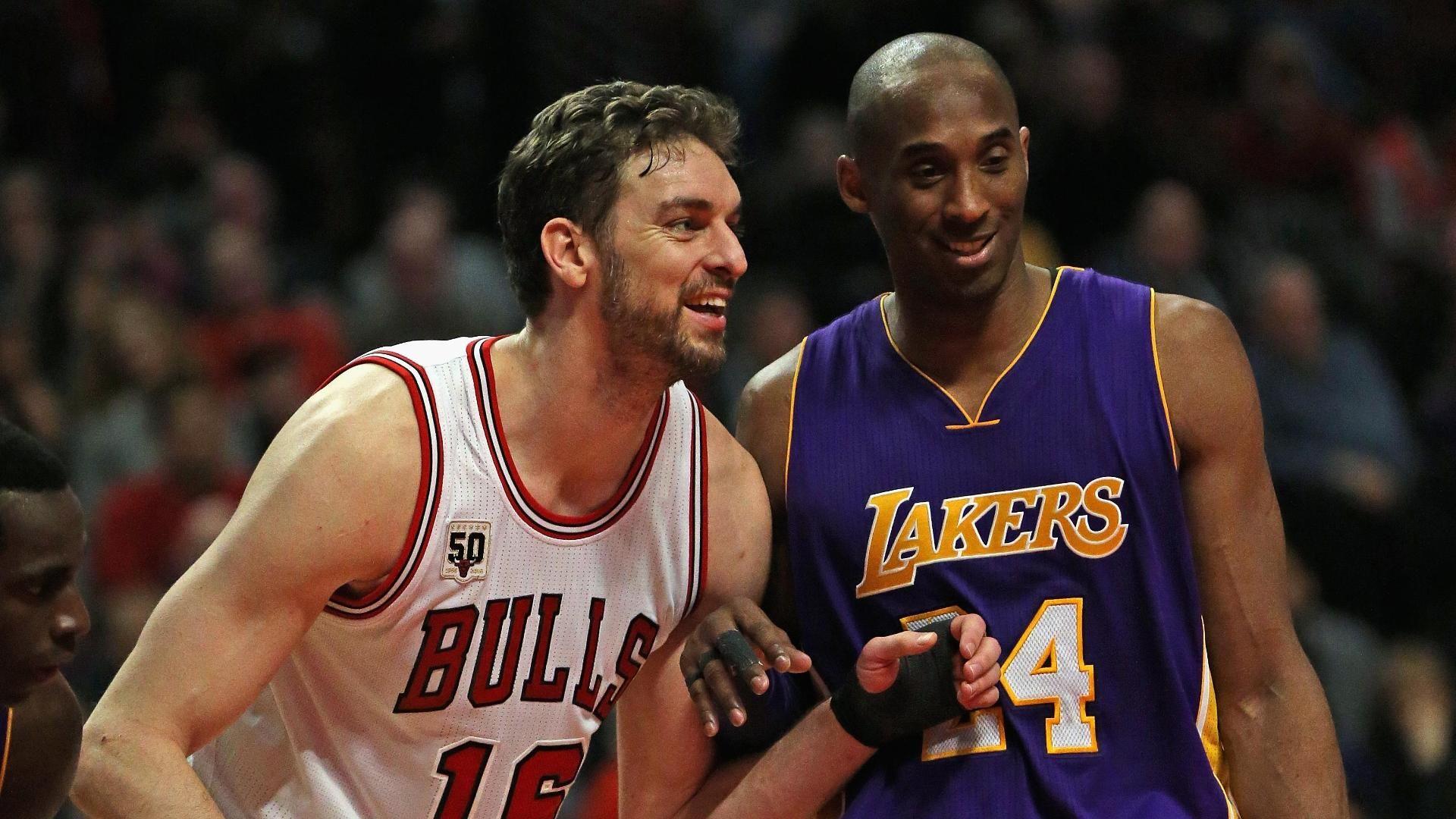 Kobe scores 22 in loss to Bulls