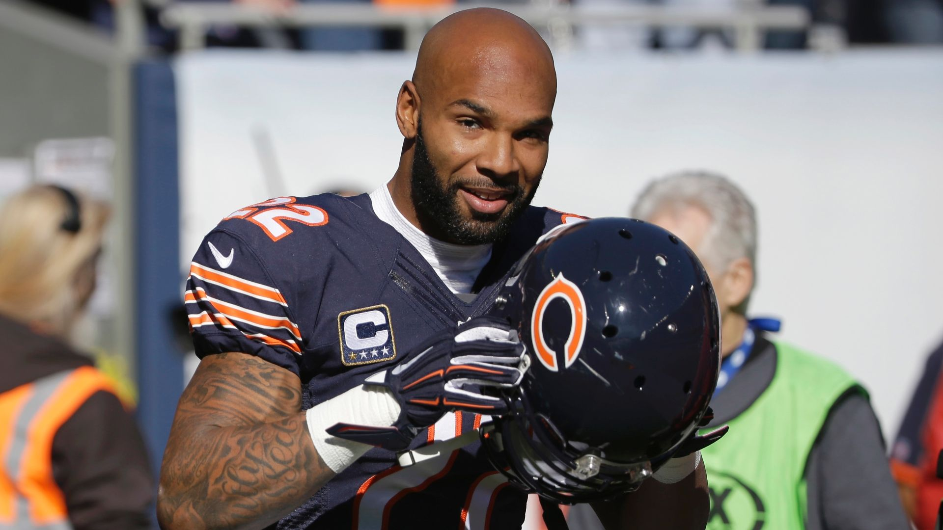 https://secure.espncdn.com/combiner/i?img=/media/motion/2016/0309/dm_160309_nfl_live_matt_forte_discussion/dm_160309_nfl_live_matt_forte_discussion.jpg