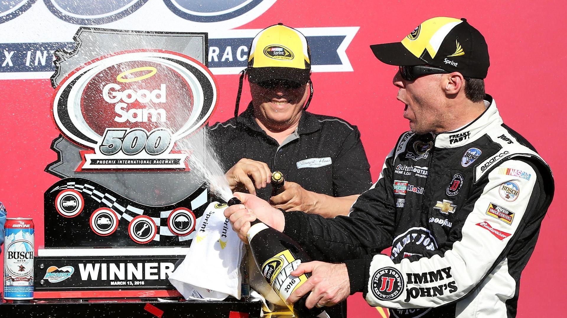 Harvick edges out Edwards for NSCS victory at Phoenix