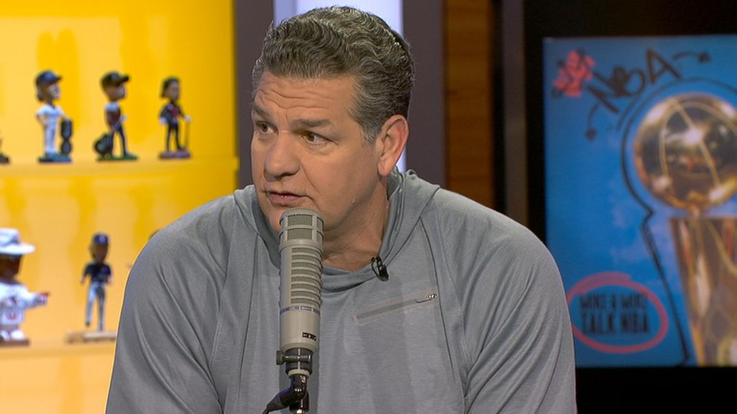 Golic: 'Not doing cartwheels' over Ichiro hits record