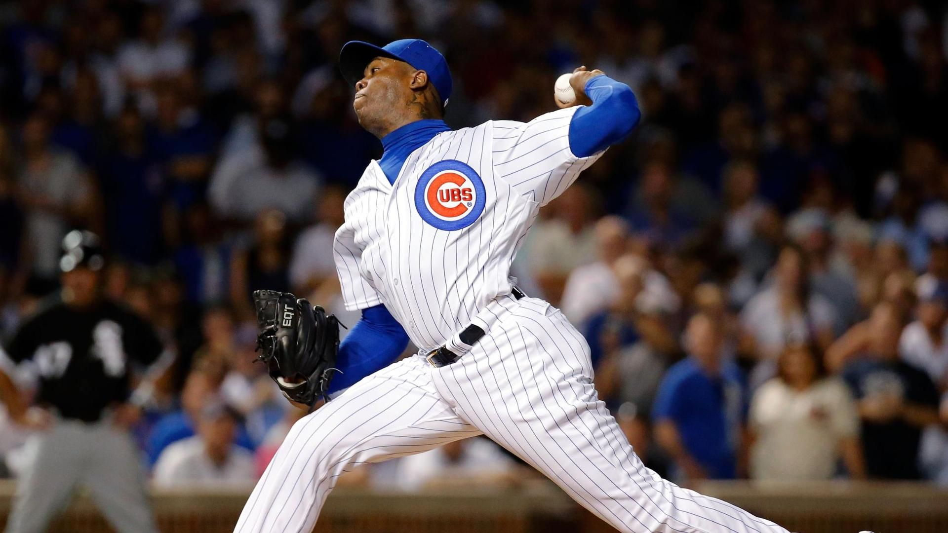 Chapman throws perfect inning in Cubs debut