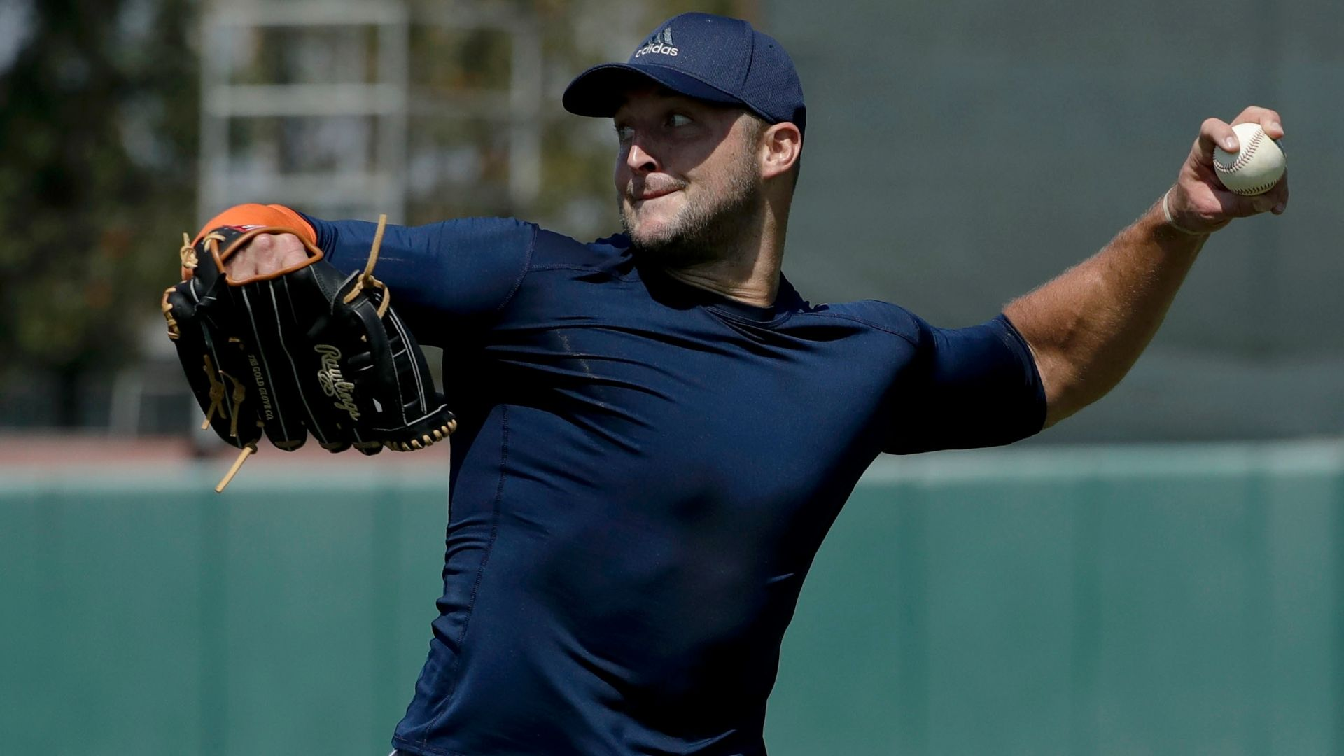 Mets sign Tebow to minor league deal