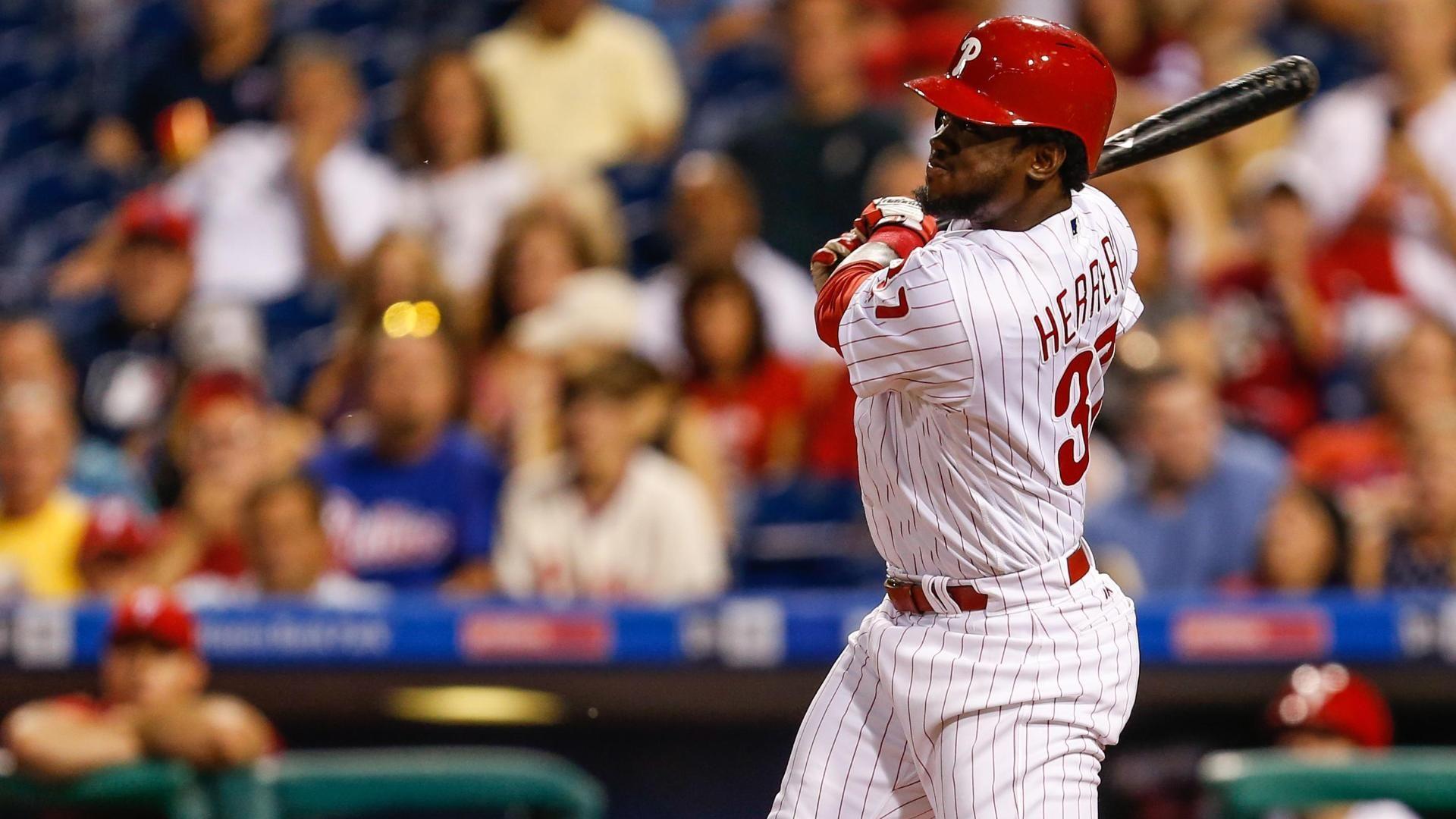 Herrera's two-run rocket puts Phillies on the board