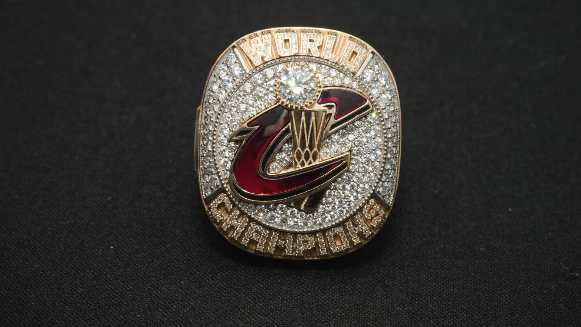Cavs celebrate championship with ring ceremony