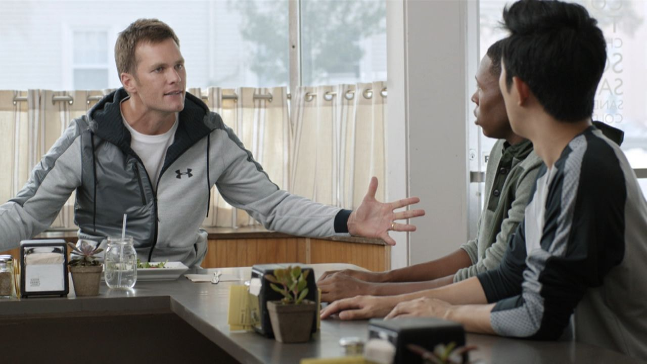 Brady mocks Deflategate in new ad