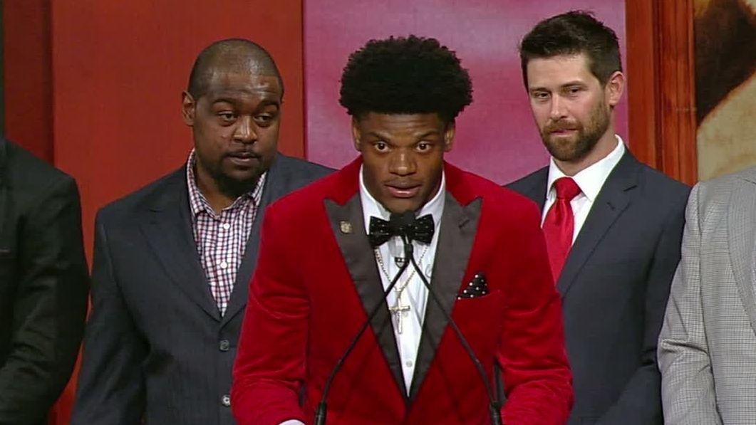 Lamar Jackson wins Heisman Trophy