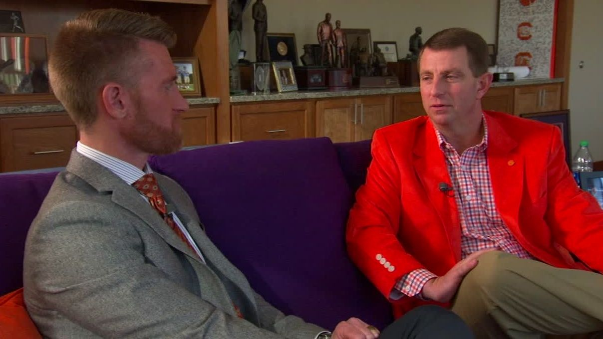 Swinney reaffirms comparing Watson to MJ, calls him 'brilliant'
