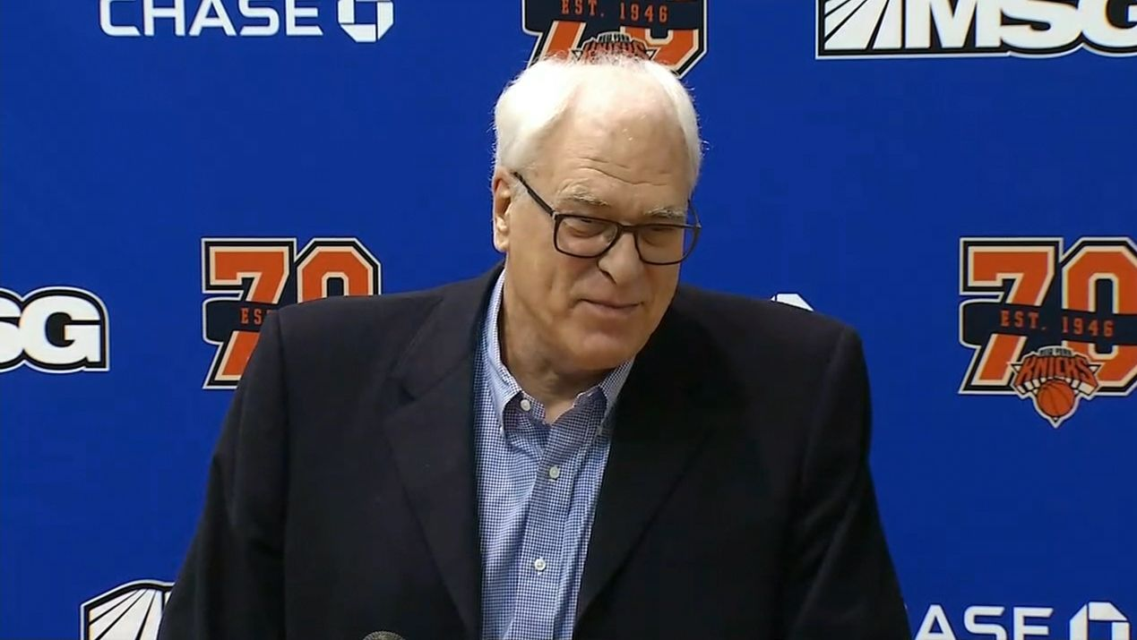 https://secure.espncdn.com/combiner/i?img=/media/motion/2017/0414/dm_170414_NBA_phil_jackson_on_melo_exit_meeting/dm_170414_NBA_phil_jackson_on_melo_exit_meeting.jpg