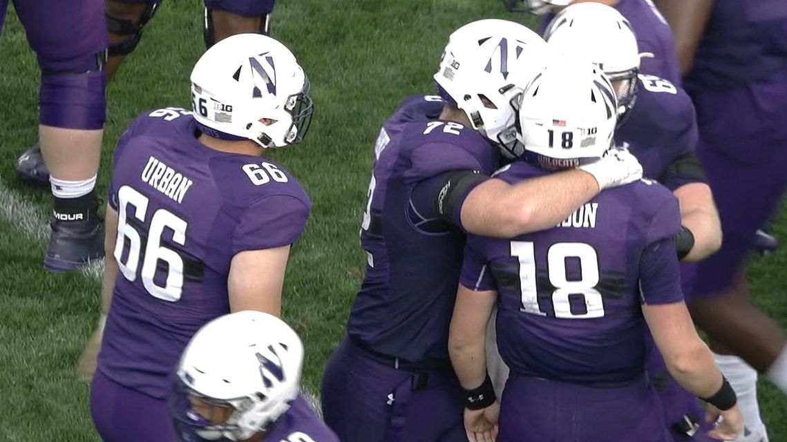 Northwestern takes lead on QB sneak in fourth quarter
