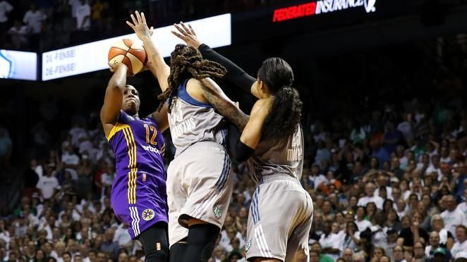 Gray's game winner gives Game 1 to Sparks