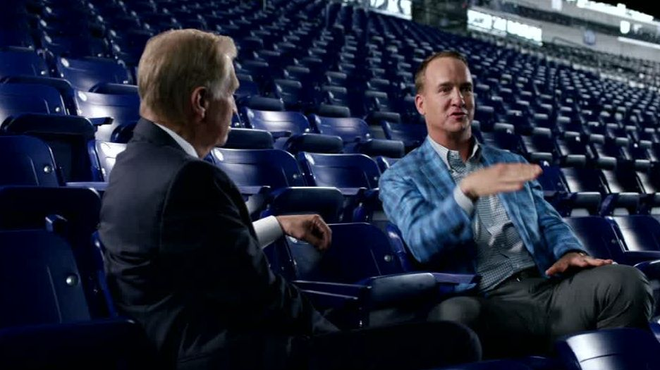 Manning 'honored, humbled' by statue, jersey retirement