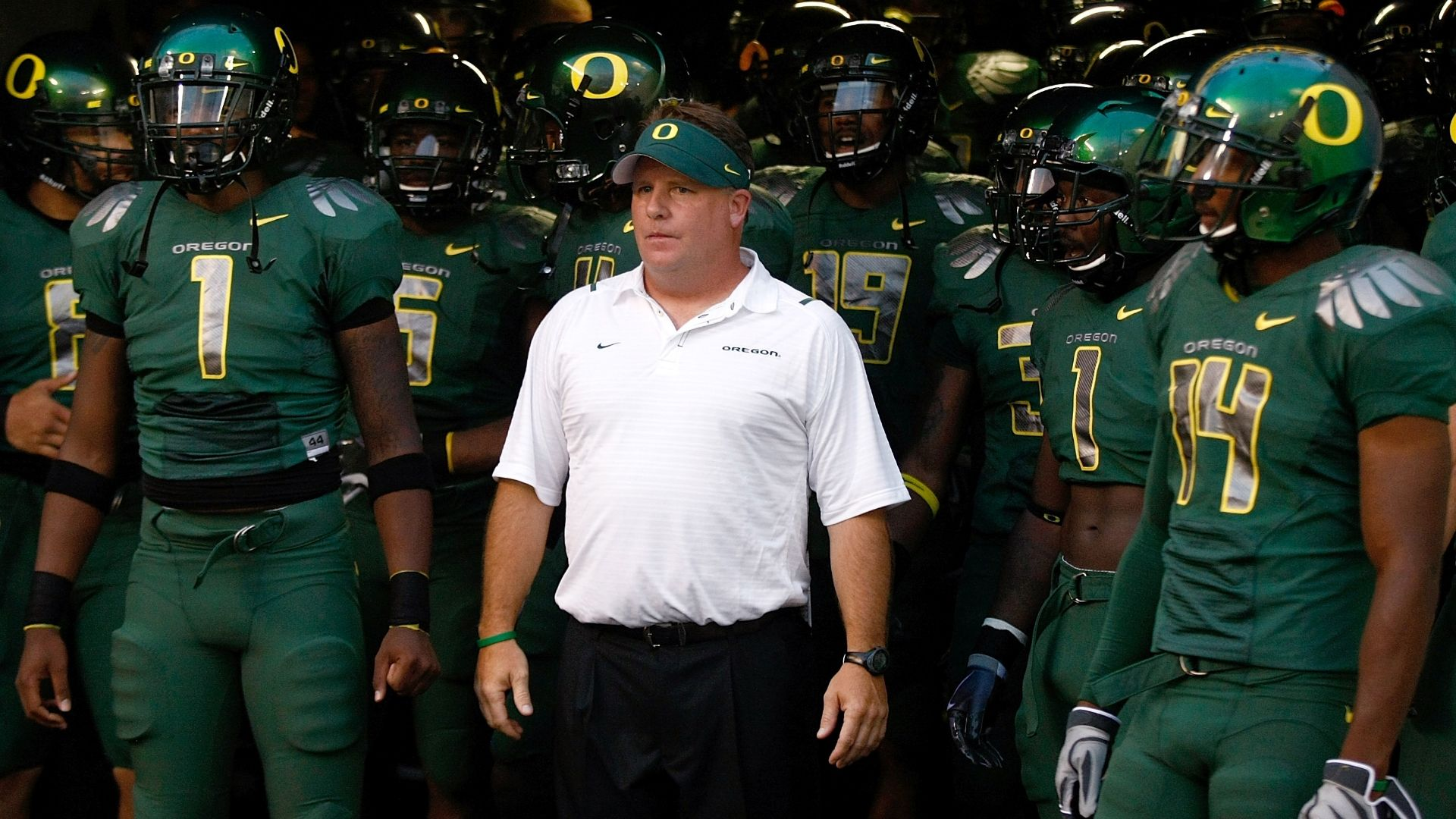 UCLA meets with Chip Kelly, who has also spoken to Florida | abc7.com