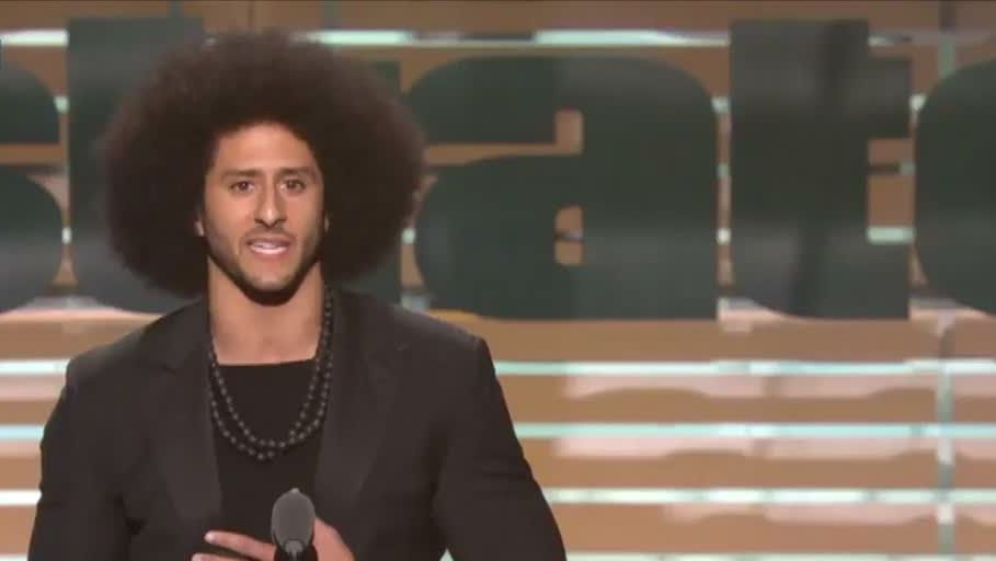 Kaepernick receives the Muhammad Ali Legacy Award