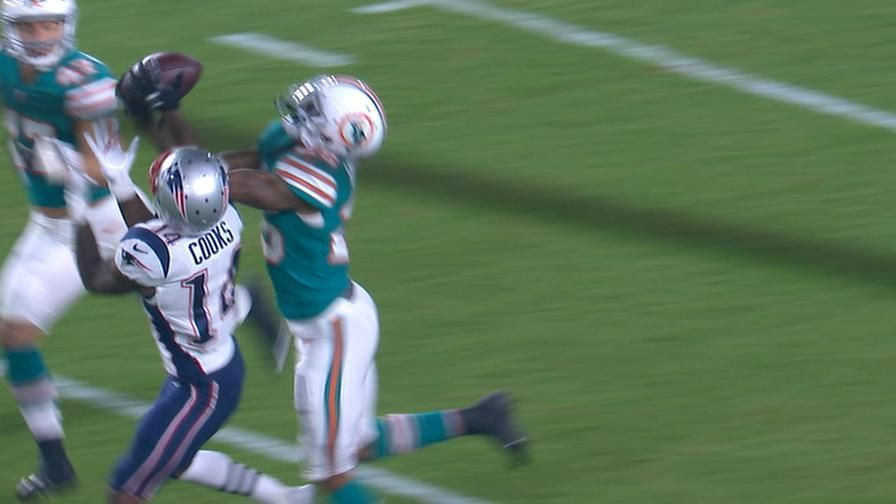 Howard chases down Brady's deep ball for second INT