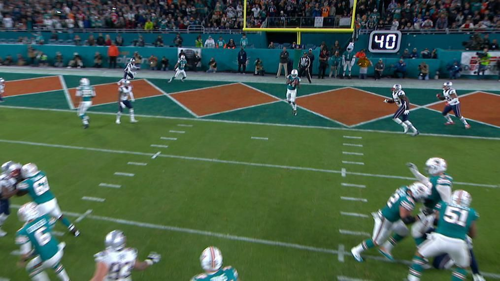 Landry wide open in end zone for second TD