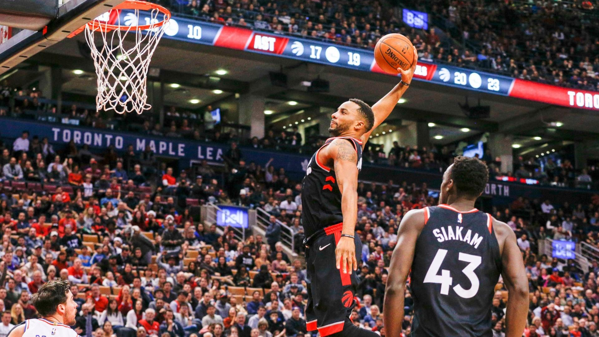 https://secure.espncdn.com/combiner/i?img=/media/motion/2017/1224/dm_171223_Powell_brings_the_house_down_with_dunk89/dm_171223_Powell_brings_the_house_down_with_dunk89.jpg
