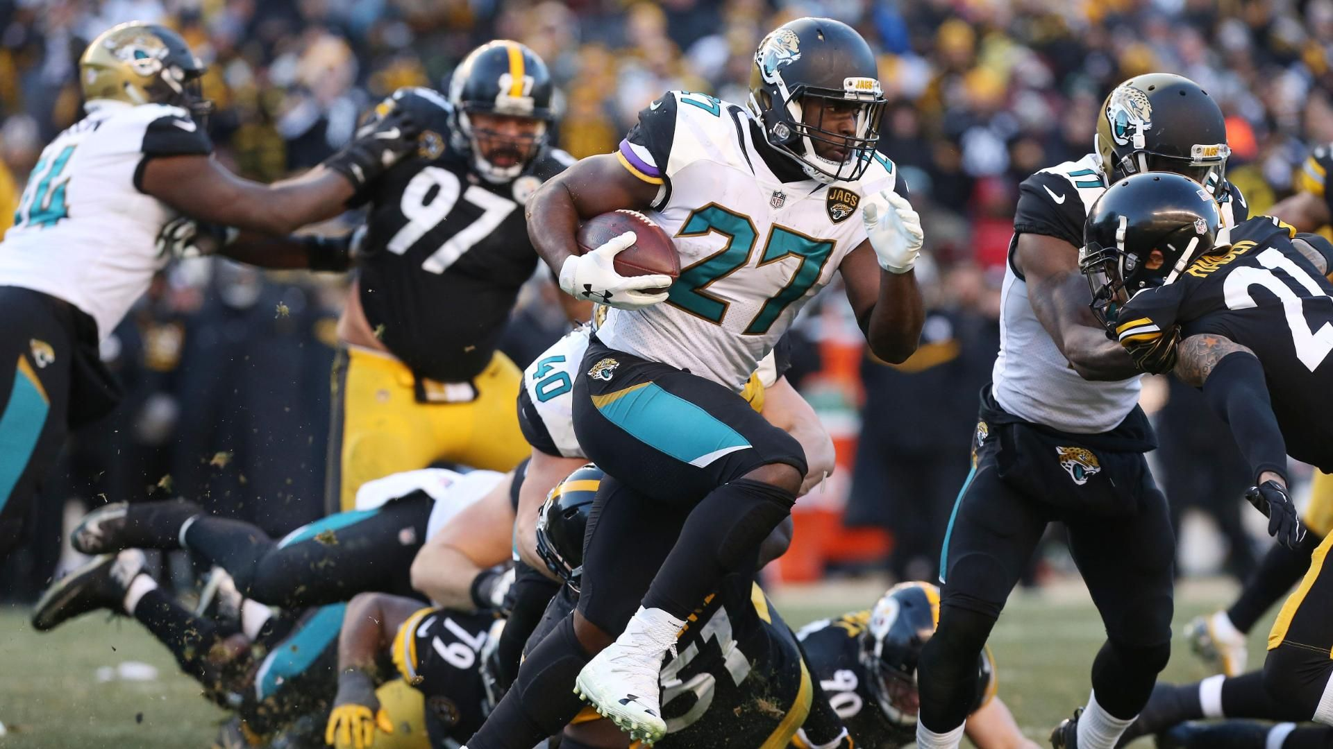 Fournette's three TDs lead Jags to upset win in Pittsburgh