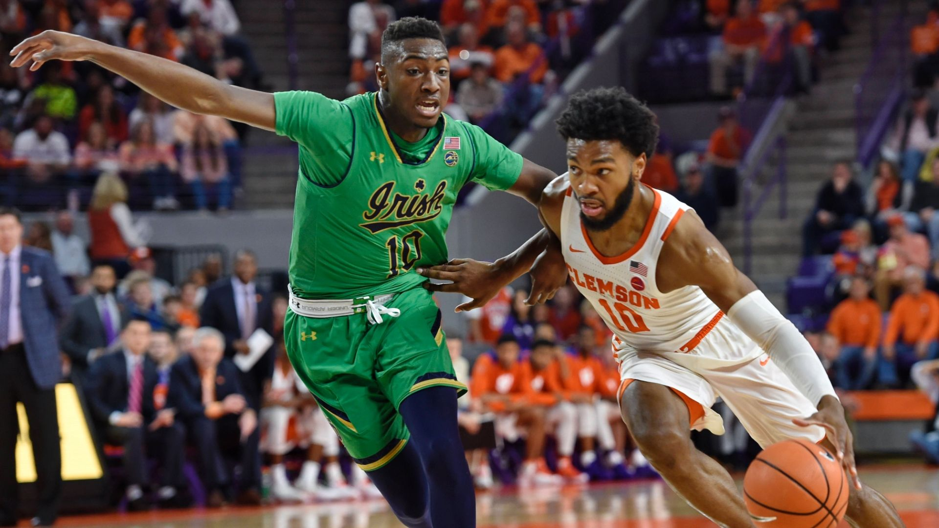 Clemson holds off Notre Dame