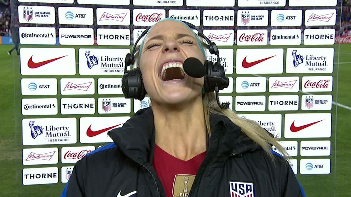 USWNT star Julie Ertz's epic reaction to husband Zach reaching SB