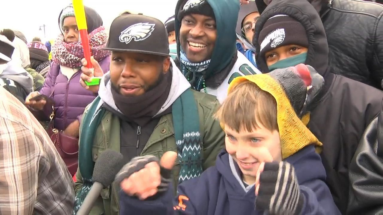 'FredEx', Eagles fans pumped at first Super Bowl parade