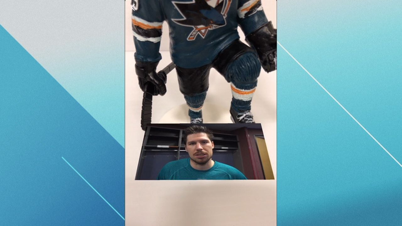 https://secure.espncdn.com/combiner/i?img=/media/motion/2018/0213/dm_180213_nhl_sharks_bobble_new/dm_180213_nhl_sharks_bobble_new.jpg