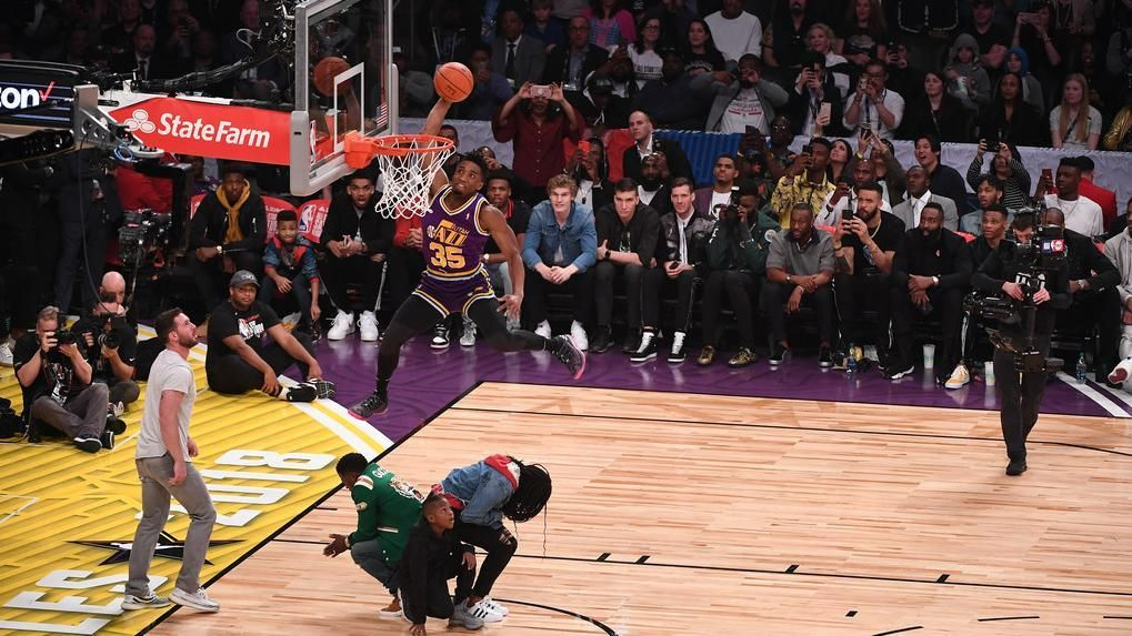 The 2018 dunk contest ... in a snap
