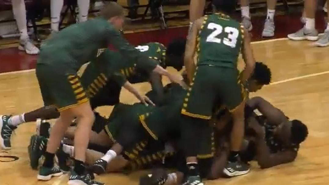 George Mason recovers loose ball, sinks game winner