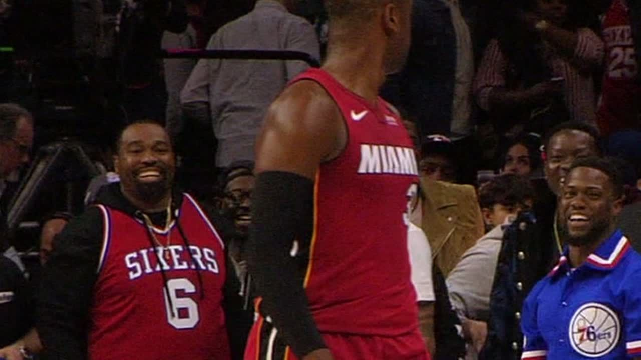 Wade scores dagger, stares down Kevin Hart