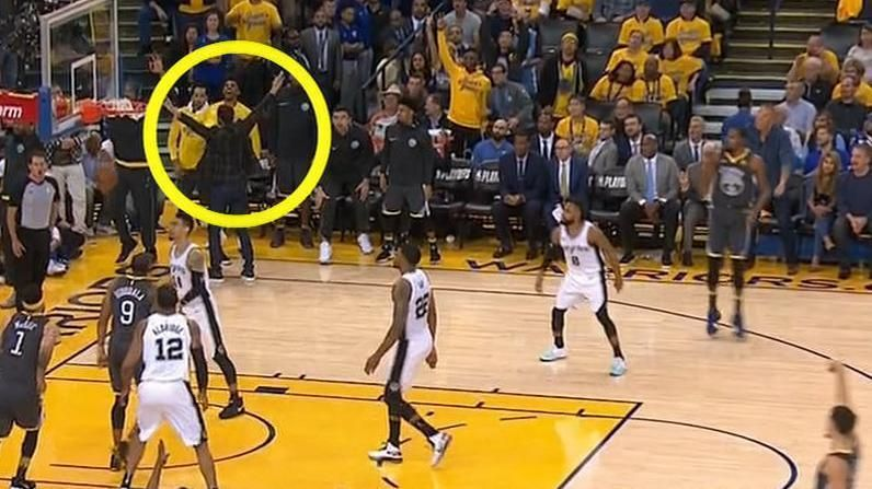 Curry doesn't need to watch Thompson's 3-pointer