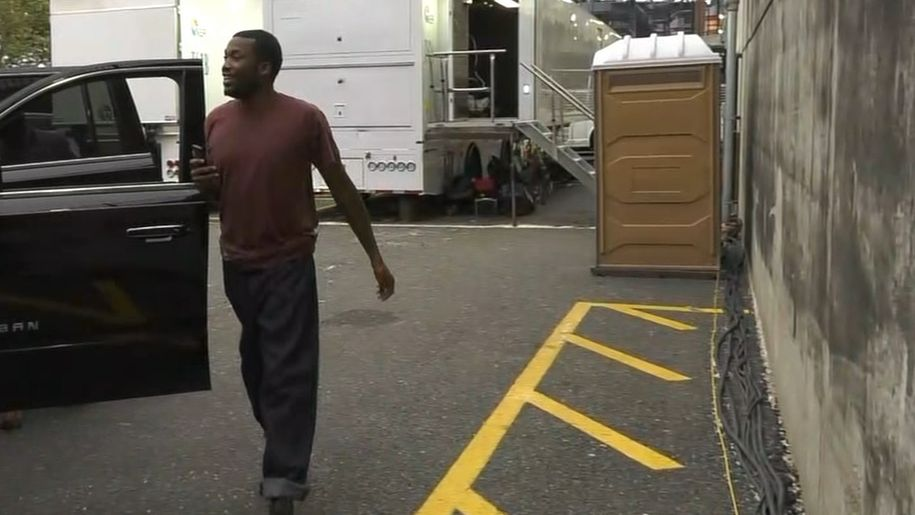 Meek Mill arrives to 76ers game