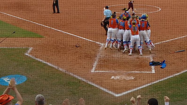 Florida heads to WCWS on walk-off homer