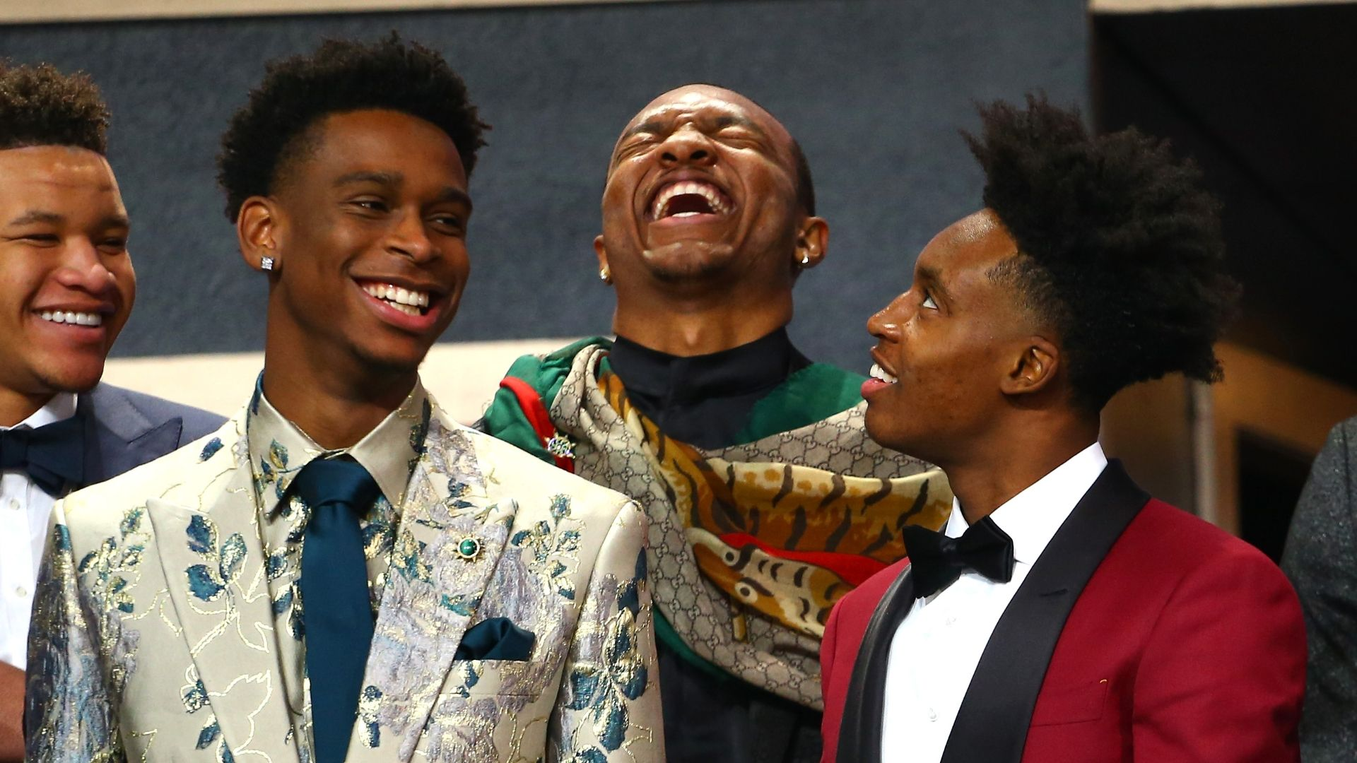 Gilgeous-Alexander, top prospects show off outfits before draft