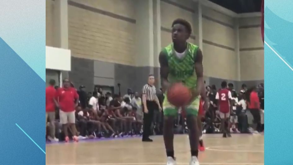 Bronny leads team to national title with LeBron on sideline