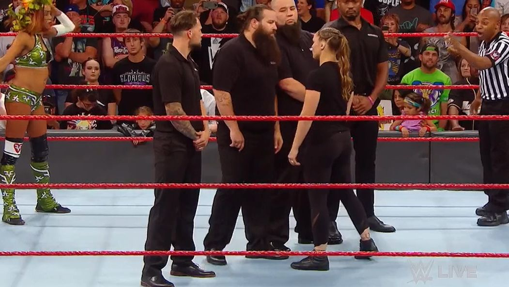Rousey takes out Bliss' entire security detail