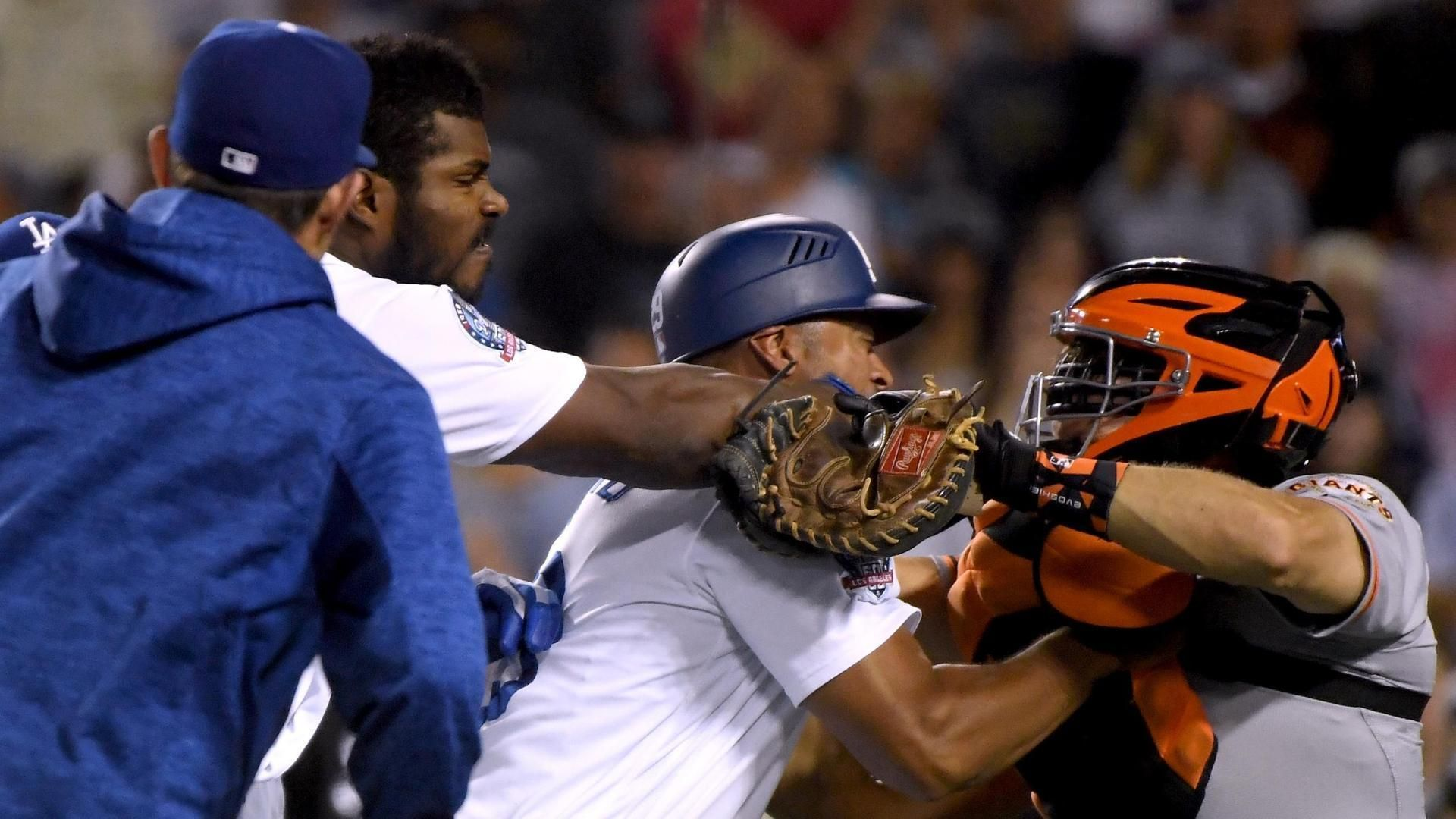 Puig, Hundley both ejected after scuffle