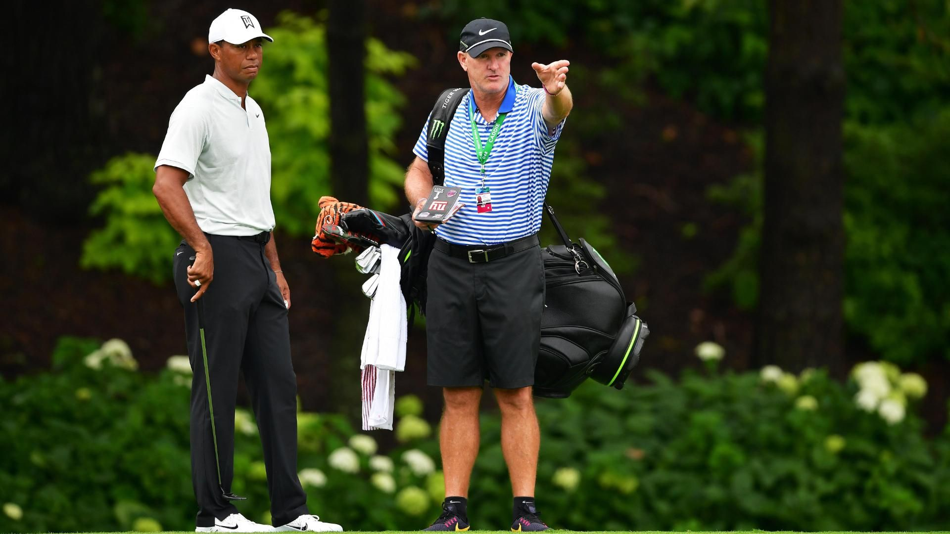 Tiger's caddie explains altercation with spectator