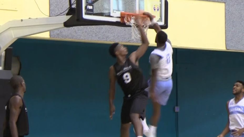 UNC's Woods throws down emphatic poster